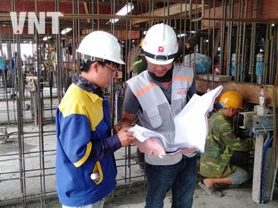 Trực giám sát thi công silo bằng công nghệ cốp pha trượt